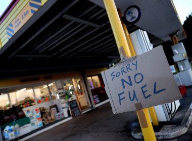 İngiltere'de Akaryakıt Krizi Büyüyor: Tüketicilere 'Fazla Almayın' Çağrısı